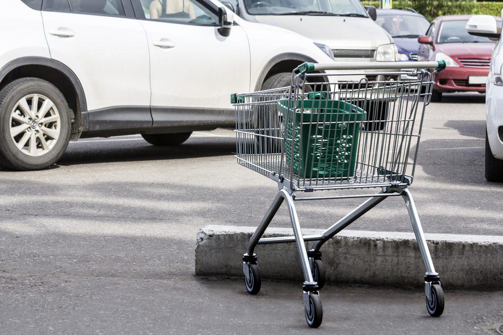 KFZ-Schaden-durch-Einkaufswagen-verursacht